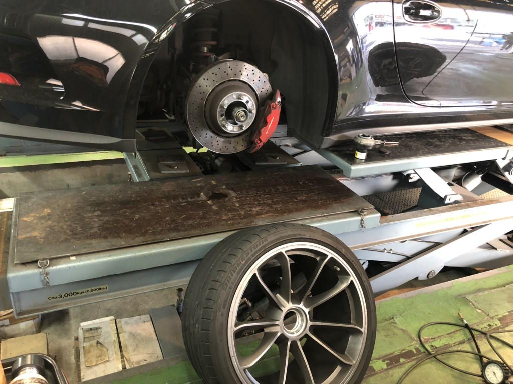 今日のサエキモータース ポルシェ GT3 パンク修理  ジャガーFタイプ 点検中