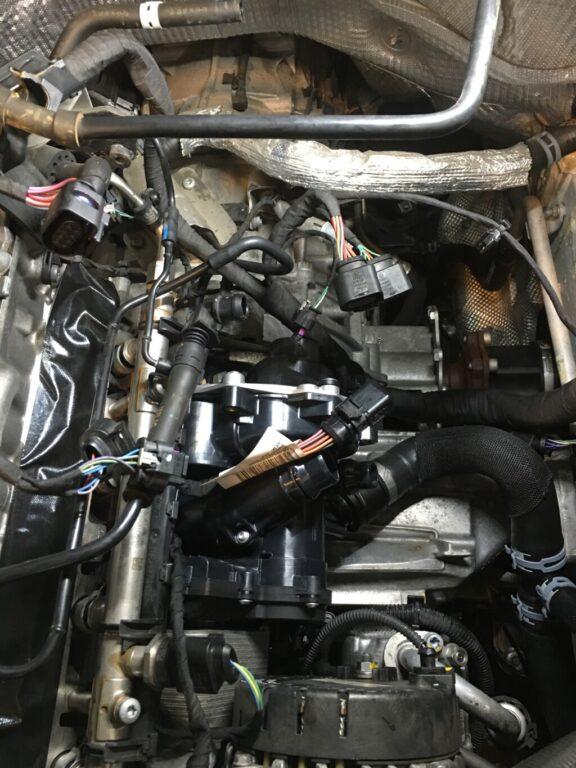 audi Q7 水漏れ修理